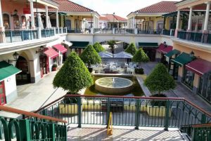 Campera Outlet Shopping